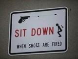 Warnschild Schusswechsel