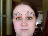 Blumige Augenbrauen