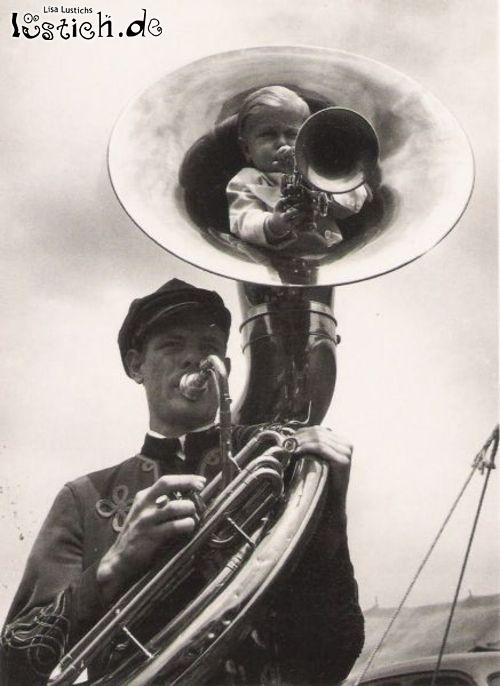 Kind in Tuba