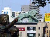 Zwei Statuen